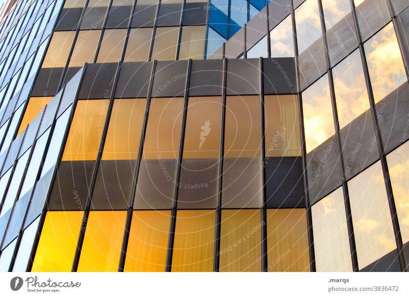 Fassade Gebäude Metall braun gelb eckig Linien modern Architektur Hochhaus Reflexion & Spiegelung Bauwerk Glasfassade Fenster Bürogebäude