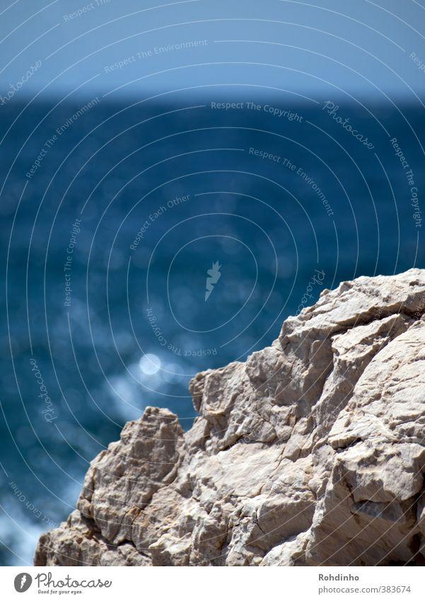 on the rocks Himmel Natur blau Wasser Sommer Meer Landschaft ruhig Küste Stein Felsen Horizont Schönes Wetter ästhetisch Mittelmeer Fernweh