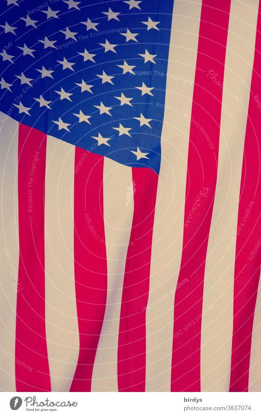 US- amerikanische Flagge, USA, Sterne und Streifen, formatfüllend, Amerikafahne Fahne Amerikaflagge Stars and Stripes Amerikanische Fahne Patriotismus rot blau