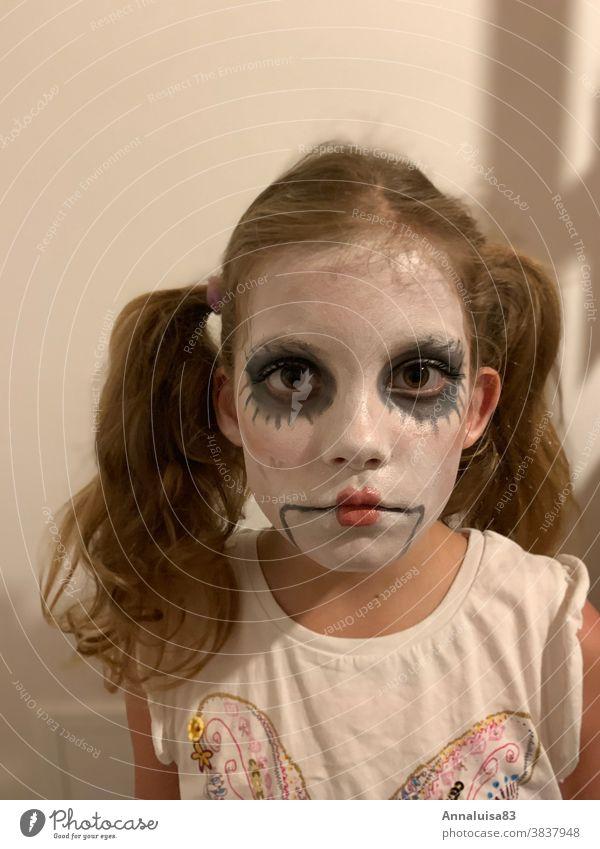Halloween Maske Herbst verkleiden Schminke Kind Mädchen Puppe schminken farben