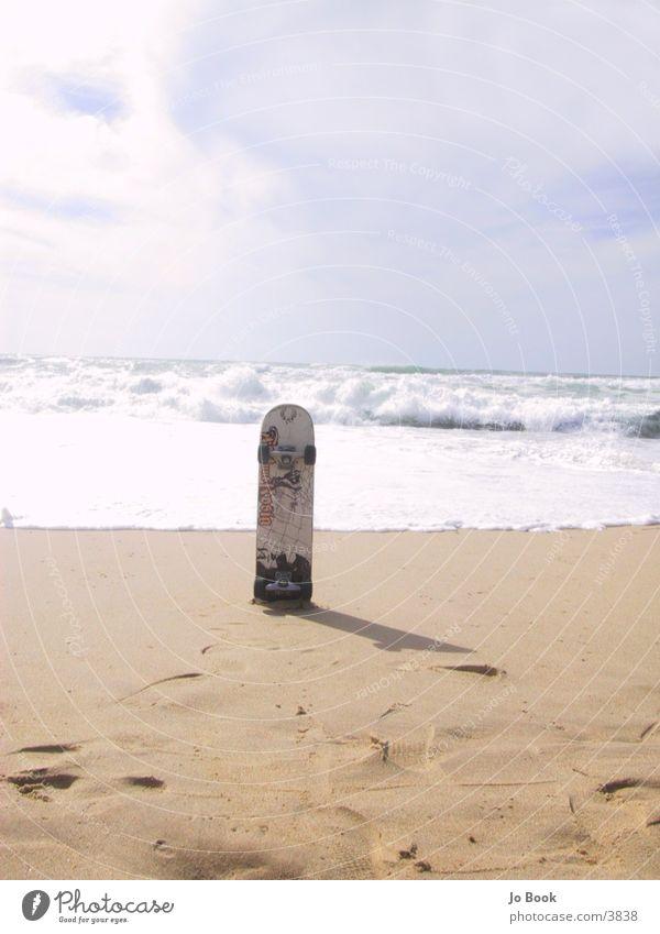 Urban Surfing Meer Strand Sand Wellen Skateboarding Frankreich Rolle Fototechnik