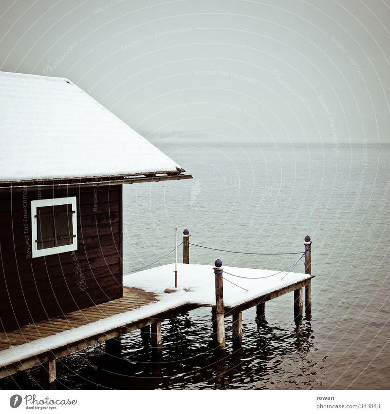 wintersee Wasser Einsamkeit Landschaft ruhig Winter kalt Fenster Schnee Küste See Nebel warten Schönes Wetter geschlossen Seeufer Anlegestelle