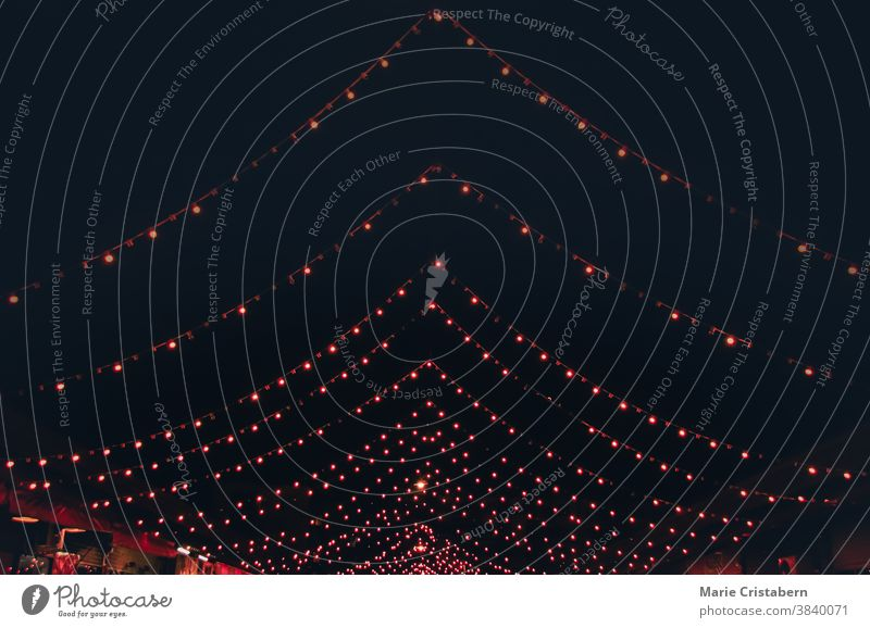 Weihnachtsbeleuchtung schmückt die Nacht Weihnachtsdekoration keine Menschen Designeigentum schwarz Saison abstrakt Licht Weihnachten Dekoration & Verzierung