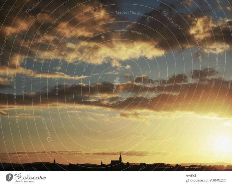 Tagesende Panorama (Aussicht) Totale Sonnenuntergang Sonnenlicht Silhouette Kontrast Schatten Licht Dämmerung Abend Textfreiraum oben Menschenleer