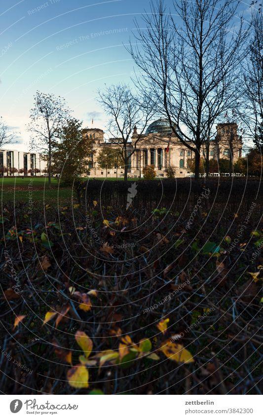 Bundestag, Berlin architektur berlin bundestag deutschland dunkelheit dämmerung hauptstadt kanzleramt marie elisabeth lüders haus nacht parlament regierung