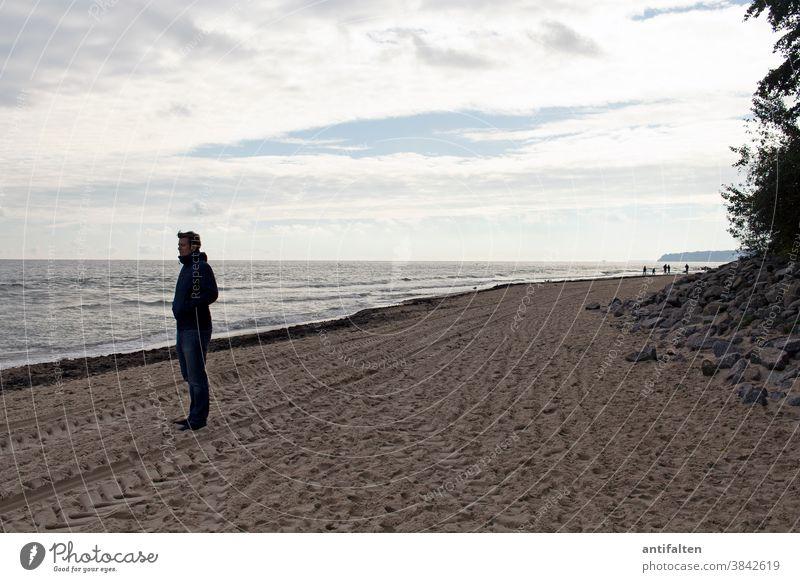 Tief durchatmen Strand Rügen Ostsee Meer Himmel Sand Sandstrand ruhen Ruhe Horizont Ferien & Urlaub & Reisen Küste Ferne Mecklenburg-Vorpommern Textfreiraum