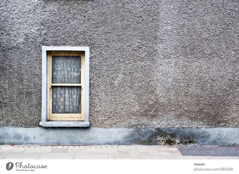 Chapelizod 2 alt Stadt Haus dunkel Fenster kalt Wand Architektur Mauer Gebäude Fassade trist kaputt retro Bauwerk gruselig