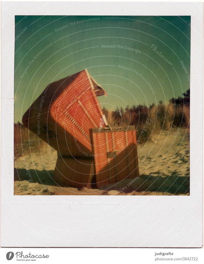 Strandkorb an der Ostsee auf Polaroid. Ostseestrand Ferien & Urlaub & Reisen Erholung Himmel Sommer Außenaufnahme Menschenleer Farbfoto Tourismus Sommerurlaub