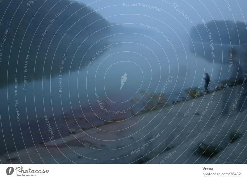 Flussgeister Nebel Dämmerung Geister u. Gespenster Angler Wasser