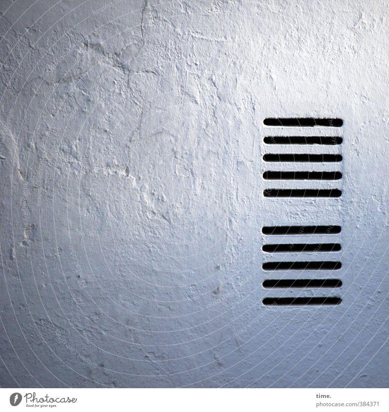 atmungsaktiv Haus Architektur Mauer Wand Lüftungsschlitz Lüftungsschacht Putz Oberfläche Oberflächenstruktur Verschwiegenheit Wachsamkeit standhaft
