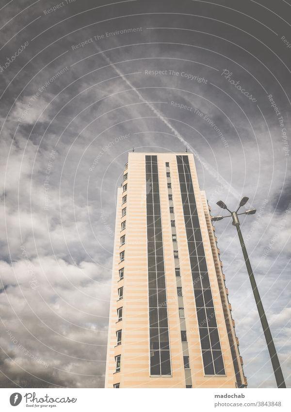 Freunde Urban Hochhaus Laterne Stadt Architektur Gebäude Außenaufnahme Fassade Menschenleer Himmel trist
