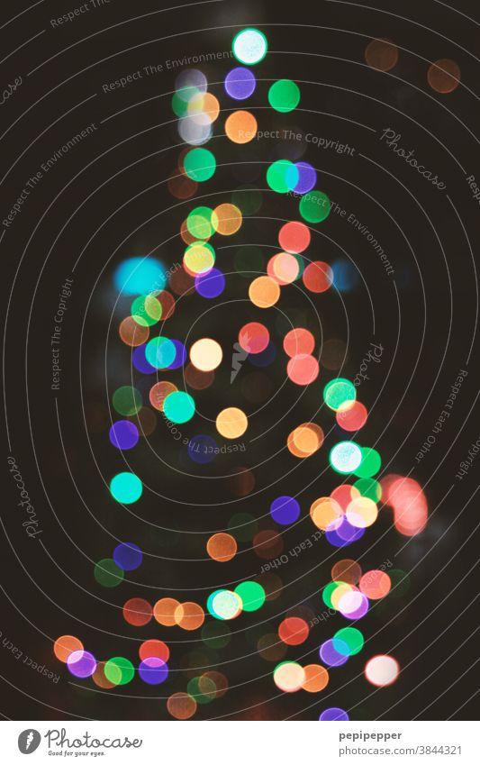 Weihnachtsbaum Weihnachten & Advent Weihnachtsdekoration Farbfoto Christbaumkugel Dekoration & Verzierung Kugel Feste & Feiern Baumschmuck Kitsch Menschenleer