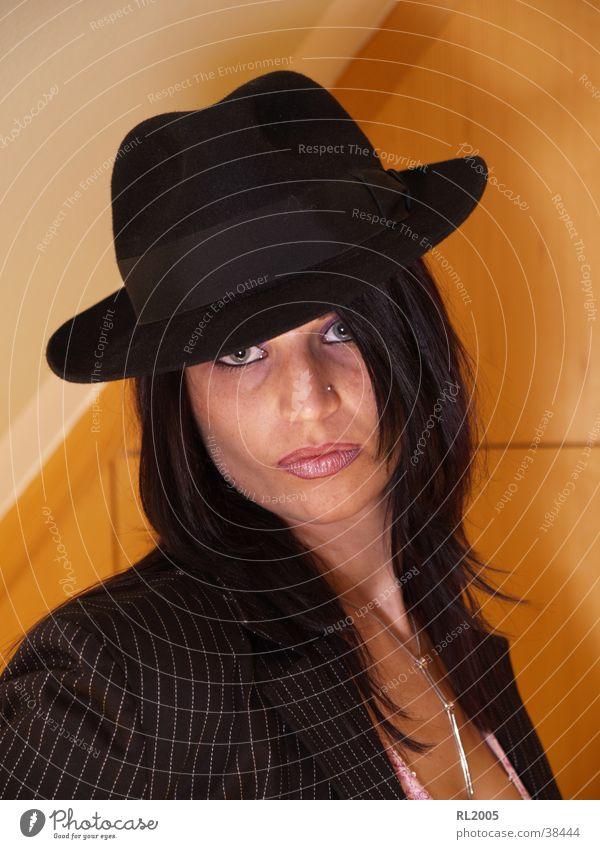 Ingrid Mensch Gesicht Haare & Frisuren Mund Stimmung Nase Hut