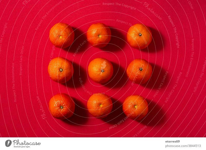 Frische Mandarinen in Schale asiatisch blau Chinesisch Zitrusfrüchte Clementine Lebensmittel frisch Frucht Gesundheit Saft Makro natürlich Natur Neujahr orange