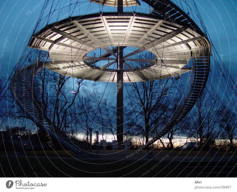 Stuttgart Architektur Treppe modern rund Turm Klettern steigen Stuttgart