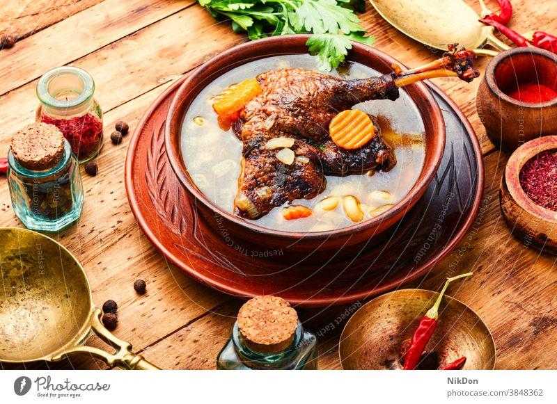 Diät-Gänse-Suppe Brühe Hähnchen Lebensmittel Hausgans Hühnersuppe Entensuppe Scharfes Essen erster Kurs Gänsesuppe Küche Gesundheit Abendessen Gemüse Würzig