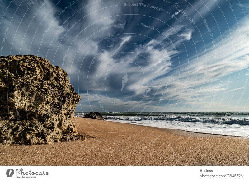 Felsen am Strand von Gale in Portugal Farbfoto Brandung Vale Parra Algarve Erholung entdecken Schwimmen & Baden Wasser Sand Landschaft Sonnenstrahlen Stein