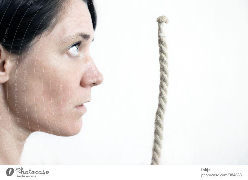 Oft bestaunt: das Seemannsgarn! Mensch Frau Erwachsene Gesicht Leben Gefühle außergewöhnlich lernen Seil Neugier Bildung Glaube nah Erwachsenenbildung Ende lang