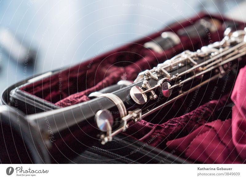 Klarinette auf dem Koffer Instrument Dietz Musik Musikinstrument Detailaufnahme Konzert Musiker Orchester