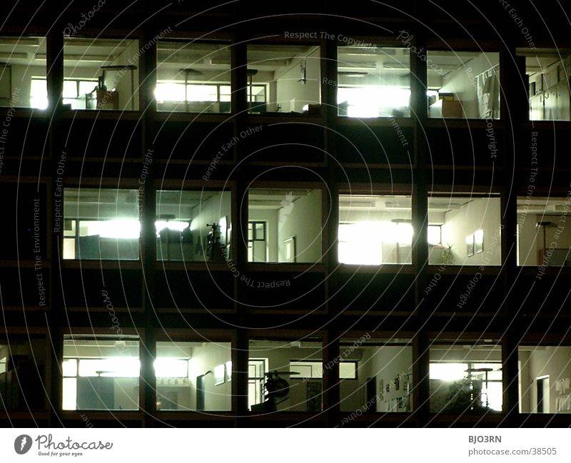 Nachtschicht Bürogebäude dunkel Licht Haus Gebäude Architektur Schatten