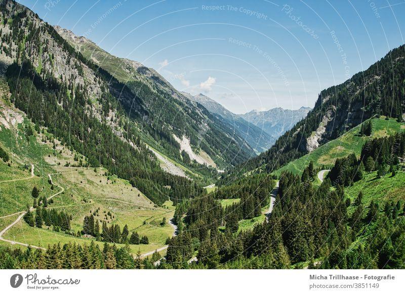 Kaunertal / Österreich Kaunertaler Gletscher Tirol Alpen Berge Gipfel Gebirge Täler Fels Felsen Wiesen Bäume Landschaft Natur Himmel Wolken Sonne Sonnenschein