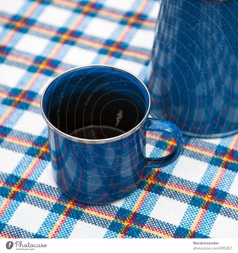 Blech auf Muster Ernährung Kaffeetrinken Picknick Geschirr Tasse Lifestyle Camping Sommer Freundlichkeit blau Ferien & Urlaub & Reisen Pause Kaffeetasse