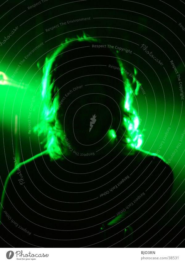 Stage #6 Konzert grün Licht schwarz Show Musik silouette Schatten Lichterscheinung Haare & Frisuren Mensch