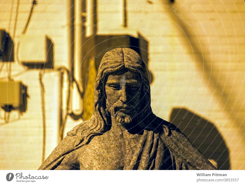 Jesus-Statue Jesus Christus Religion & Glaube Gott Symbole & Metaphern symbolisch Kirche Christentum Katholizismus Farbfoto Lebenssinn Außenaufnahme Sinn heilig