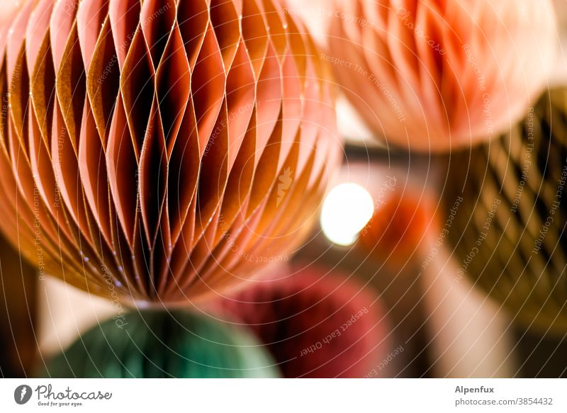 Frohes Fest Kreativität Design Kunst Konstellation Lampion farbenfroh rot grün blau Farbe Farbfoto mehrfarbig Muster Menschenleer Strukturen & Formen