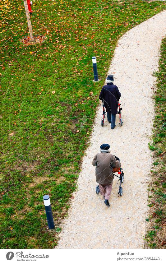 Human race senioren Senior Senioren Menschen älter Ruhestand älterer Erwachsener Seniorenheim Zeit Zeit vergeht Rentner in den Ruhestand getreten alt