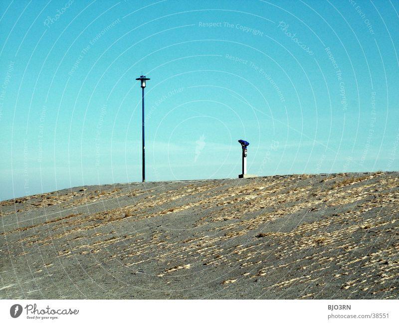 Meer sehn #12 - Schöne Aussicht Lampe Fernglas Teleskop Automat Deich Strand Licht Laterne fernsehautomat Himmel blau