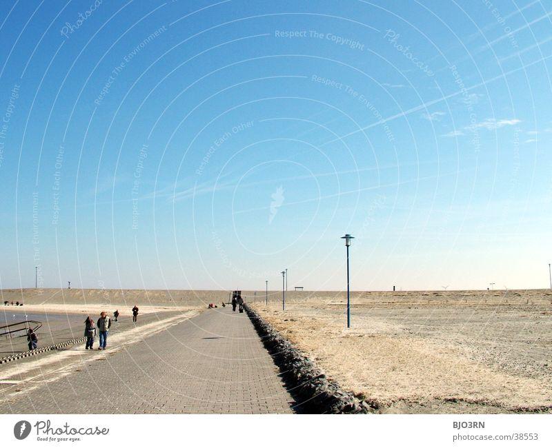 Meer sehn #10 - Horizont 1 Uferpromenade leer trist Lampe Strand Himmel blau Stein Sand Mensch