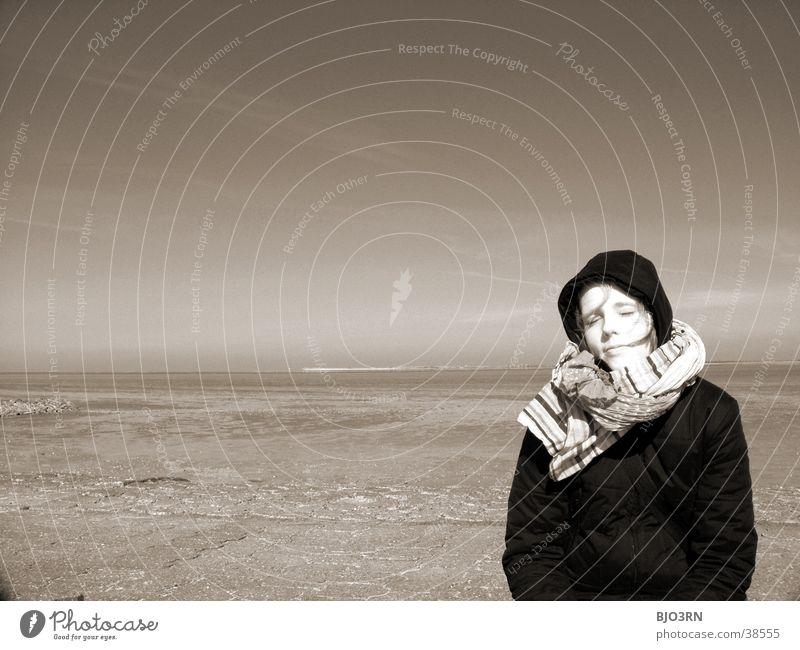 Meer sehn #7 - Unendliche Weiten Frau Wasser Himmel Gesicht Auge Ferne See Küste Nase Horizont Unendlichkeit Mütze Schal Wattenmeer