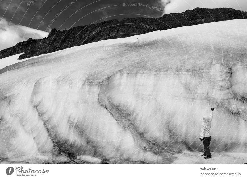 Gletscherzwerg Natur Urelemente Wasser Himmel Winter Eis Frost Schnee Felsen groß klein demütig Schüchternheit Einsamkeit kalt Größe Mensch Naturgewalt