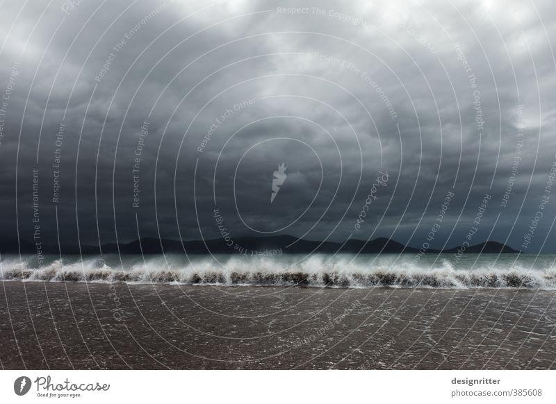 Liebeserklärung Himmel Ferien & Urlaub & Reisen Sommer Meer Wolken Strand dunkel Umwelt Wetter Kraft Wellen wild Wind Klima bedrohlich Abenteuer