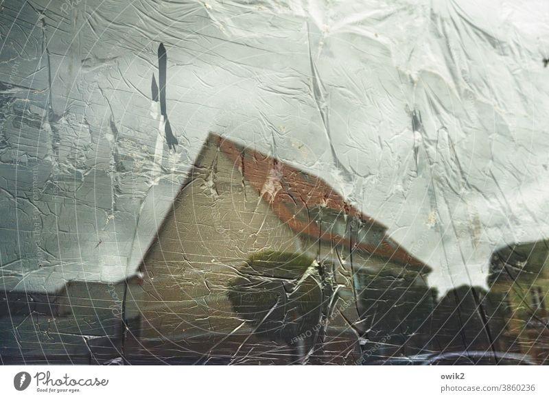 Verplant Fenster Schaufenster zugehängt Plane Sichtschutz Spiegelung Reflexion & Spiegelung Haus gegenüber Kleinstadt Damgarten Ribnitz-Damgarten Dach Himmel