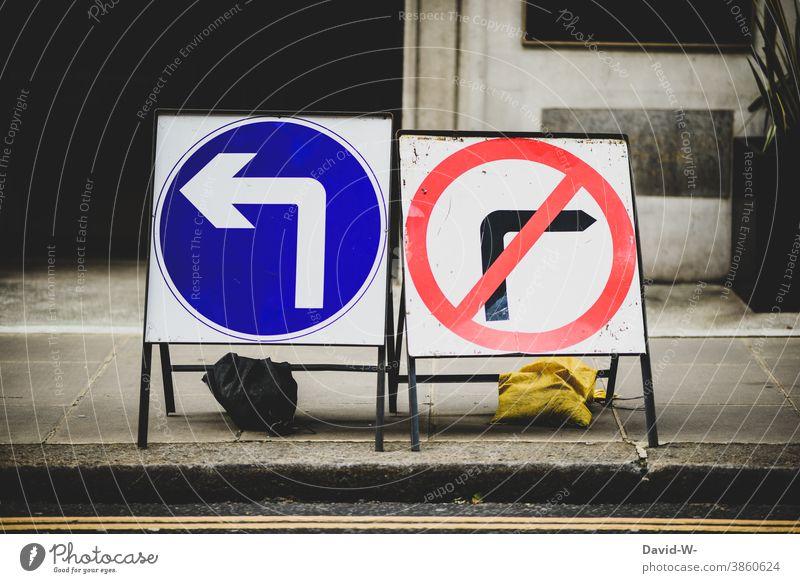 Pfeile links gebot & rechts verbot Straßenverkehr Verkehrsschild Links Verkehrszeichen richtungsweisend