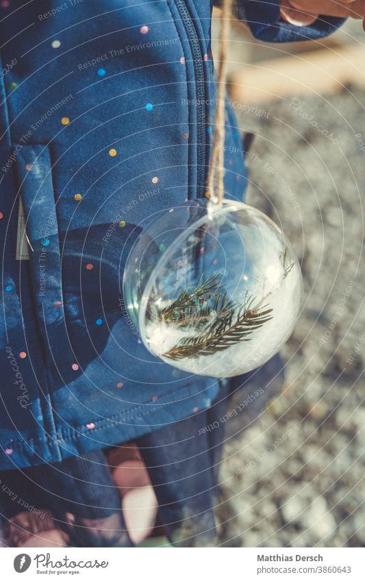 Weihnachtsdekoration Weihnachten & Advent Dekoration & Verzierung dekorieren Winter Christbaumkugel Tannenzweig Kind selbstgemacht