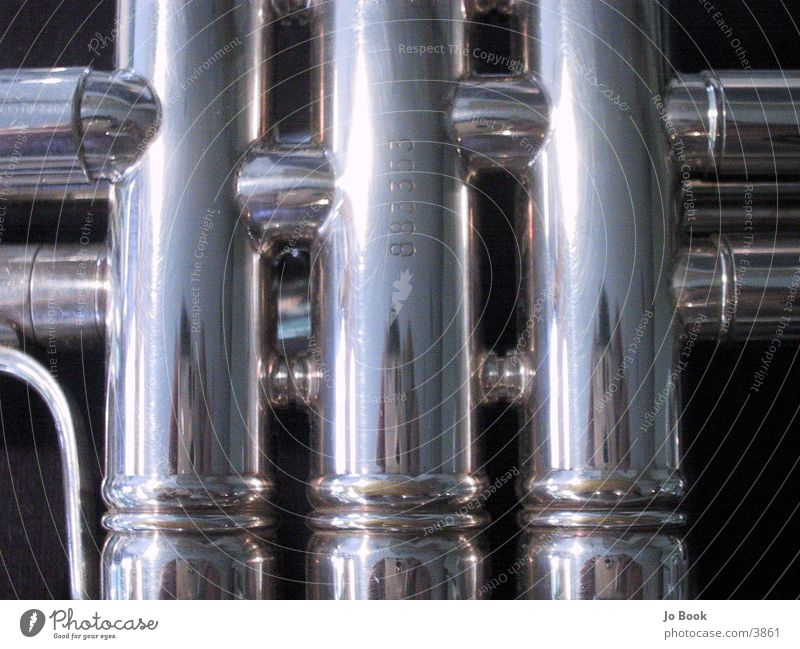 Trompeten Ausschnitt Chrom Reflexion & Spiegelung Elektrisches Gerät Technik & Technologie silber