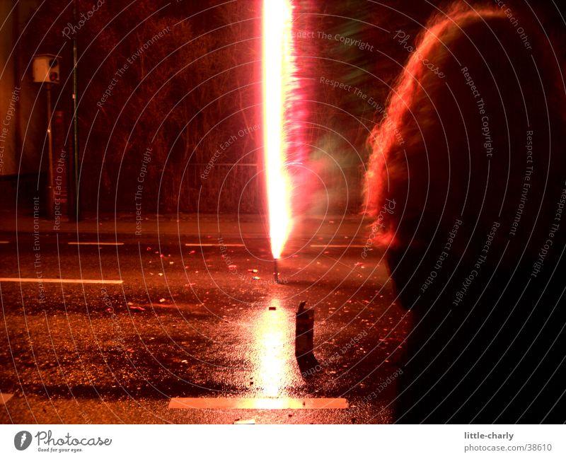 Flammendes Haar Silvester u. Neujahr Nacht Feuerwerk