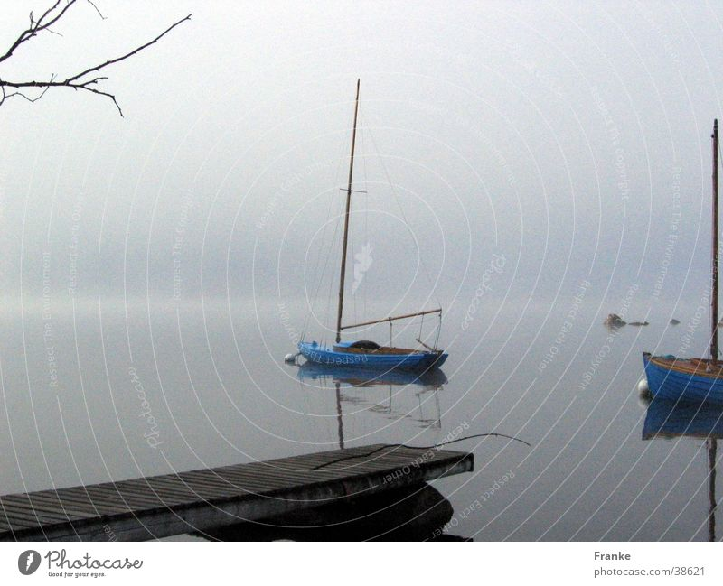 Nebelsee See Wasserfahrzeug ruhig