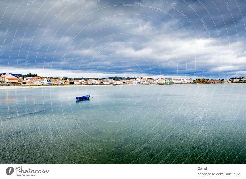Schönes Fischerdorf Matrosen Schiff Boot reisen Meer Gefäße hafen Portwein Küste wolkig Landschaft Spanien Spanisch Fischen urban Großstadt MEER Ufer Stadt