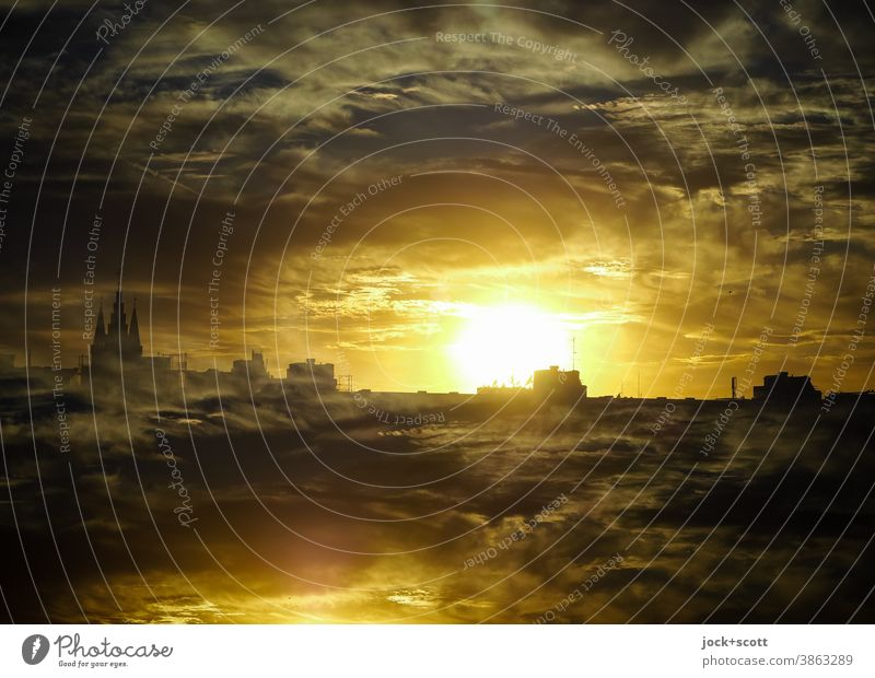 doppelter Untergang der Sonne hinter dem Horizont Sonnenuntergang Gegenlicht Silhouette Panorama (Aussicht) Doppelbelichtung Wolkenhimmel Lichtspiel dramatisch