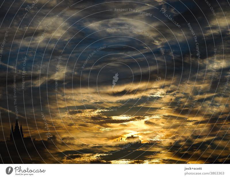 Farbkombination des scheinbaren Abtauchen der Sonne unter den Horizont Sonnenuntergang Abend Gegenlicht Sonnenlicht Silhouette Panorama (Aussicht) Low Key