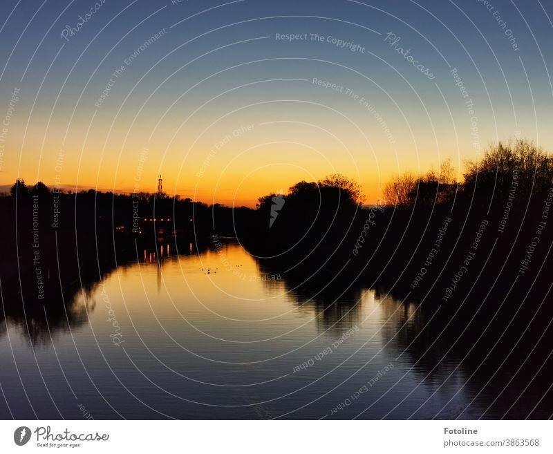 Sonnenuntergang am Mittellandkanal Wolfsburg Himmel Außenaufnahme Menschenleer Wasser Natur Dämmerung Abend Landschaft Farbfoto Umwelt Schönes Wetter