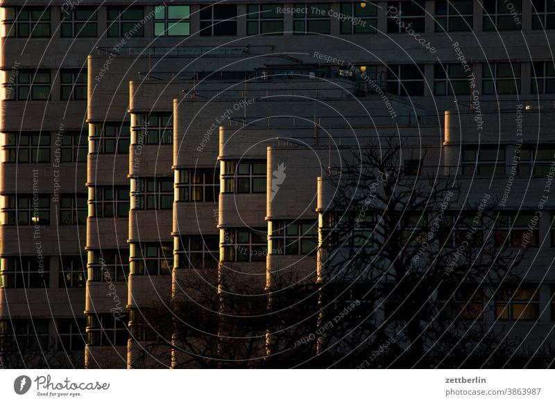 Schell-Haus abend alex architektur berlin büro city deutschland dämmerung hauptstadt haus himmel hochhaus innenstadt mitte modern neubau platz skyline tourismus