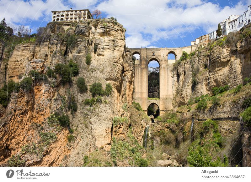 Brücke in Ronda, Andalusien, Spanien Neue Brücke Puente Nuevo Stein Wahrzeichen Denkmal historisch Gebäude Struktur alt Spanisch Erbe Tourist Anziehungskraft