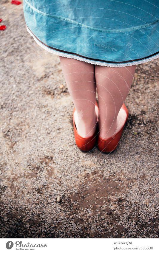 Standpunkt. Kunst ästhetisch Zufriedenheit Fuß Füße hoch Schuhe Prinzessin braun blau Rock Mädchen Mode Schüchternheit stehen Beine 2 standhaft Mensch