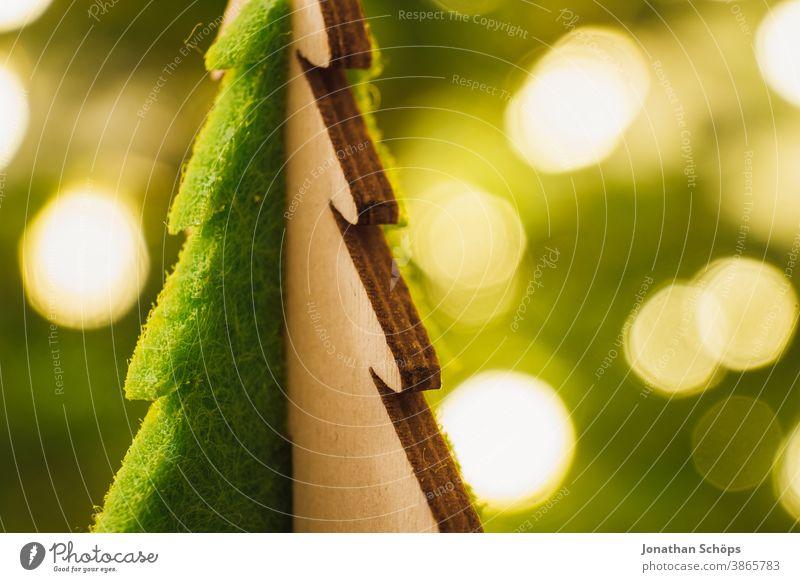 kleiner hölzerner Weihnachtsbaum hell Christentum Weihnachten Weihnachten & Advent Dekoration & Verzierung Erzgebirge Glaube heimwärts Hoffnung Wärme x-mas