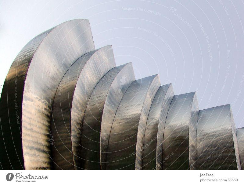 skulptur Skulptur Himmel Metall Perspektive Dinge Reflexion & Spiegelung Linie Treppe Außenaufnahme Menschenleer